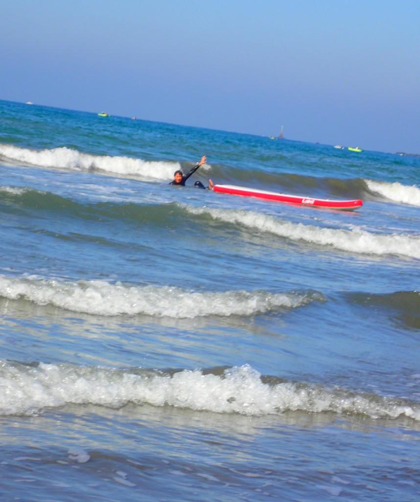 しかし、とてつもなく下手である。この海岸で、多分一番下手だったように記憶しているのだが、一番楽しんでいたのも自分であったろう。