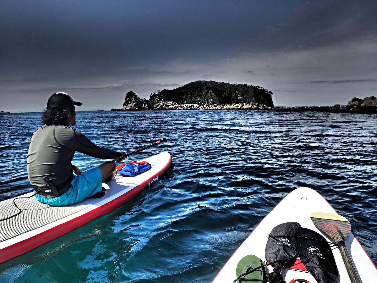 獄門島…ではありません。東京湾に浮かぶ個人所有の島、浮島です。